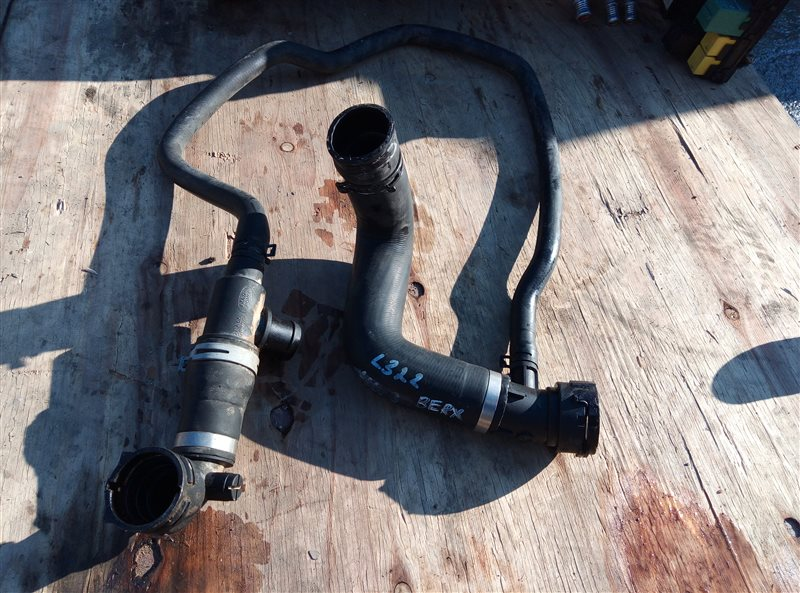 Патрубок радиатора Land Rover Range Rover L322 448PN 11.2007 верхний (б/у)
