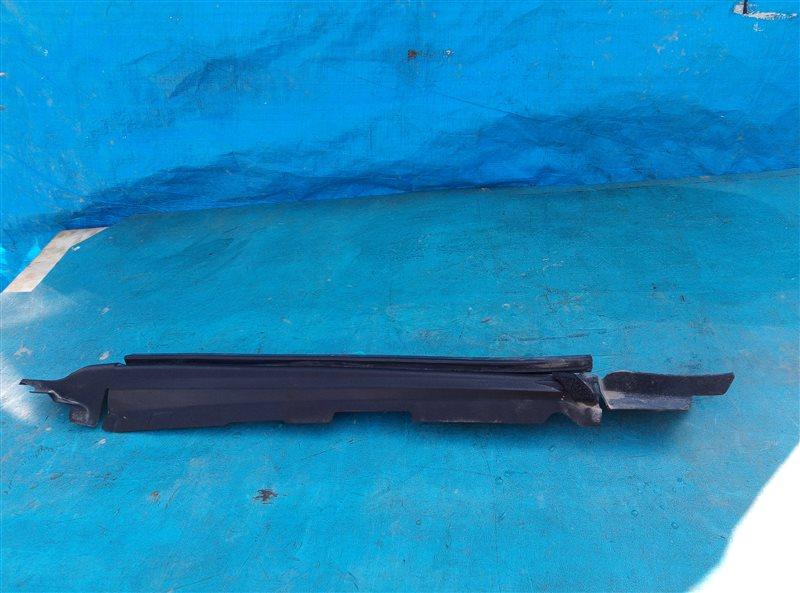 Уплотнитель крыла Toyota 4Runner GRN285 1GR-FE 08.2012 передний правый верхний (б/у)