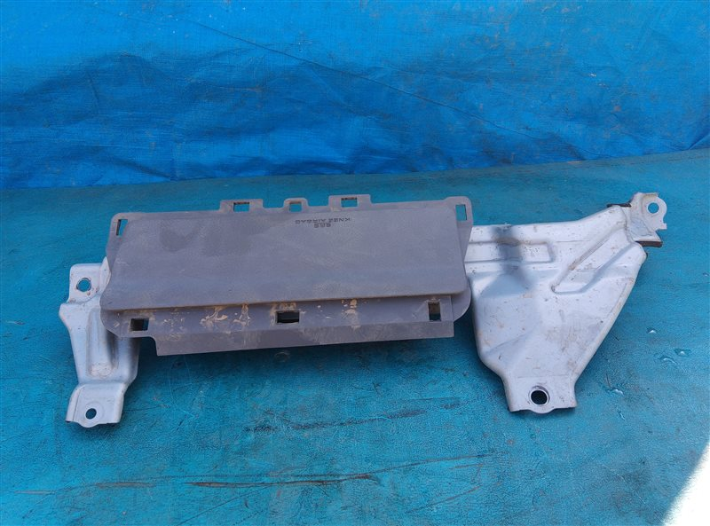 Airbag коленный Toyota 4Runner GRN285 1GR-FE 08.2012 (б/у)