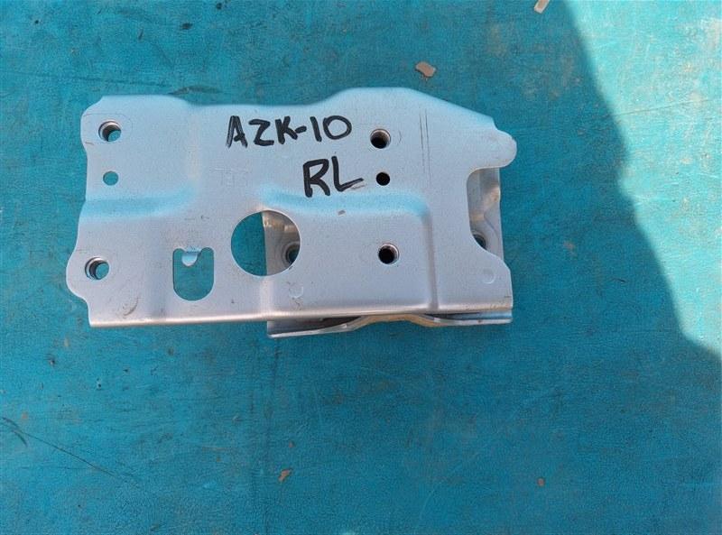 Крепление жесткости бампера Toyota Sai AZK10 2AZ-FXE 4A37558 03.2016 заднее левое (б/у)