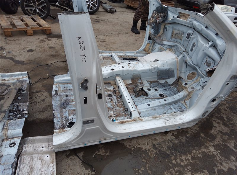 Стойка кузова Lexus Nx200T AGZ10 8AR-FTS W043878 03.2015 правая (б/у)