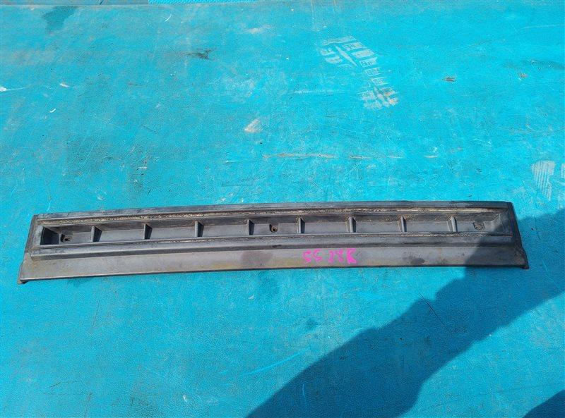 Решетка радиатора Mazda Bongo SSF8R (б/у)