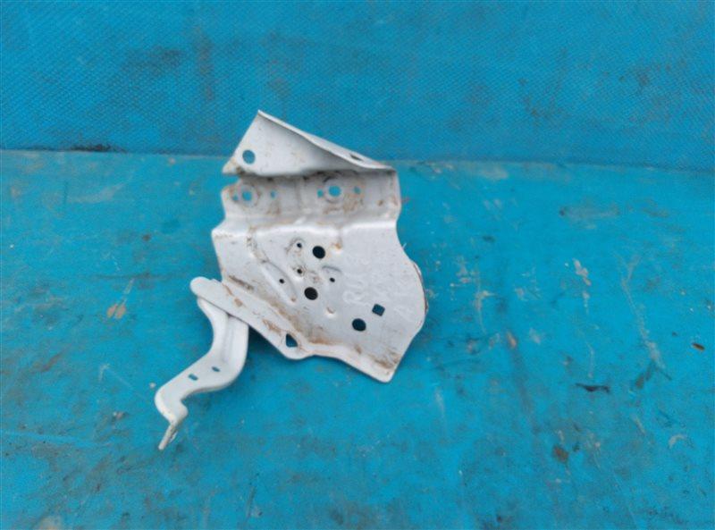 Крепление аккумулятора Honda Vezel RU3 LEB 2014 (б/у)