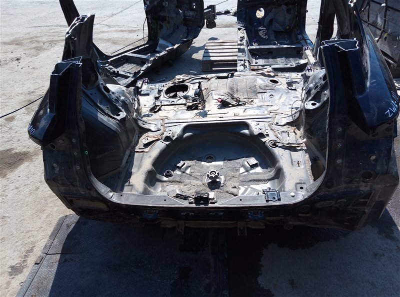 Тазик железный Lexus Ct200H ZWA10 2ZRFXE 04.2014 (б/у)