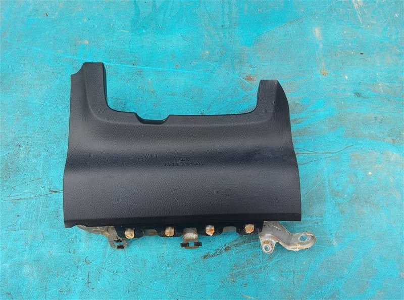 Airbag коленный Lexus Ct200H ZWA10 2ZRFXE 04.2014 (б/у)