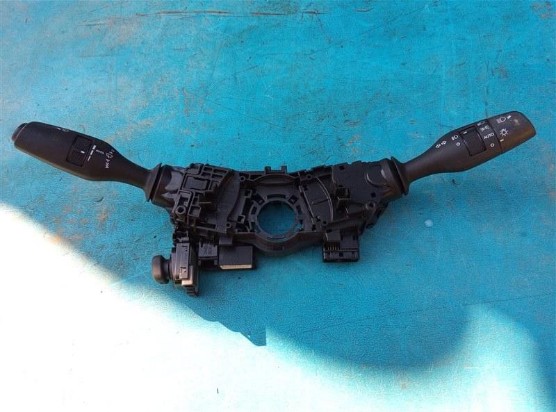 Блок подрулевых переключателей Lexus Is300H AVE30 2AR-FSE 03.2014 (б/у)