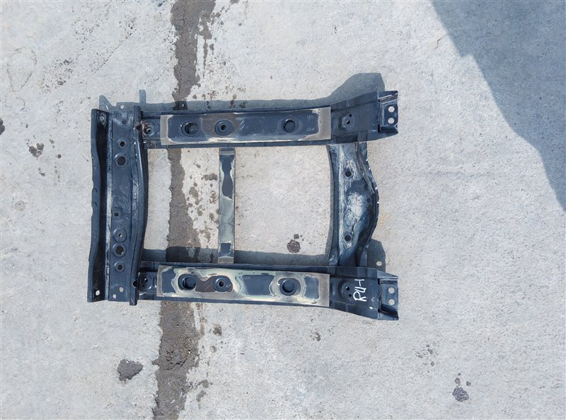 Крепление бака Honda Vezel RU1 L15B 2014 (б/у)