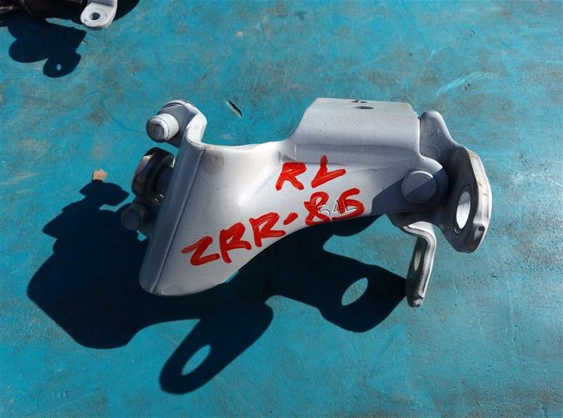 Ролик раздвижной двери Toyota Esquire ZRR85 3ZR-FAE 01.2019 задний левый (б/у)