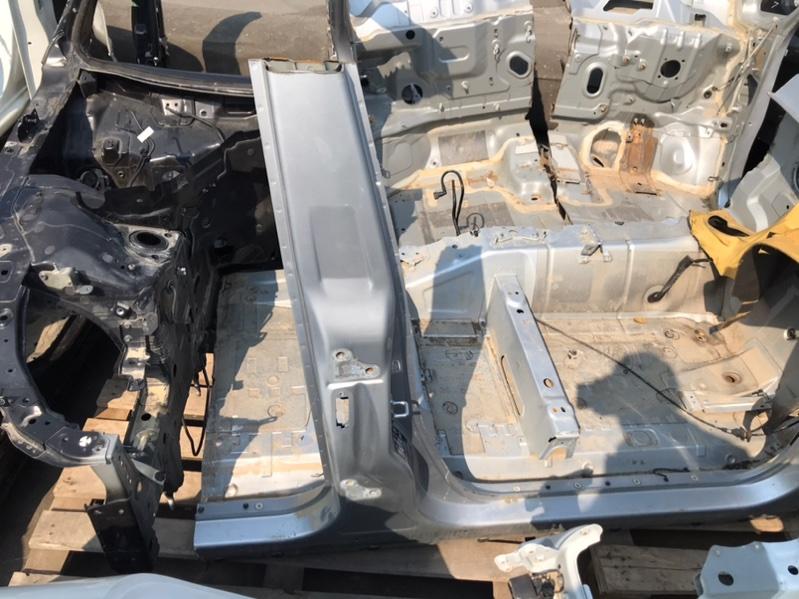 Стойка кузова Land Rover Range Rover L322 448PN 11.2007 правая (б/у)