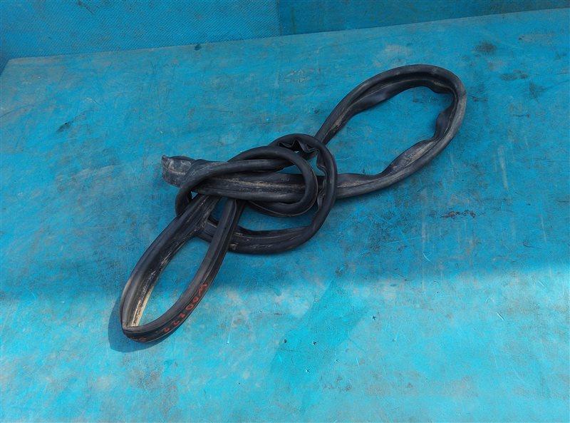 Уплотнительная резинка багажника Mercedes S 500 Long W222 278.929 11.2013 (б/у)