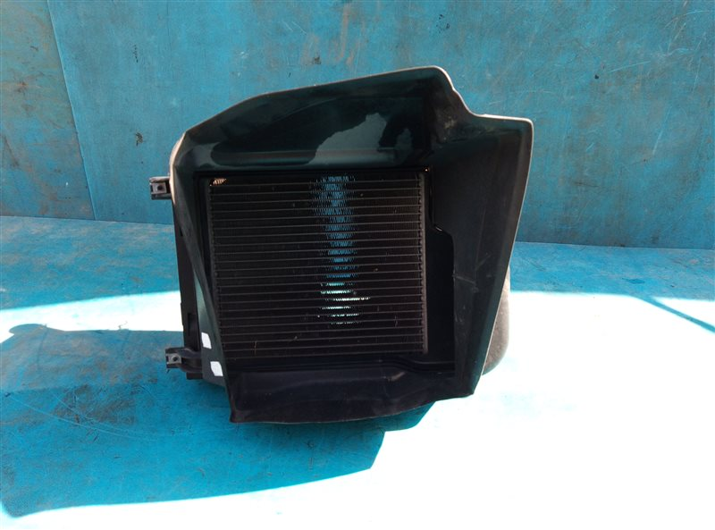 Радиатор охлаждения двс Bmw X6M E71 S63B44A 09.2011 передний левый (б/у)