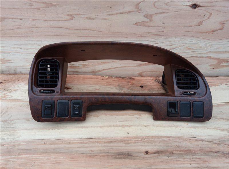 Консоль спидометра Mitsubishi Delica PD8W 4M40 (б/у)