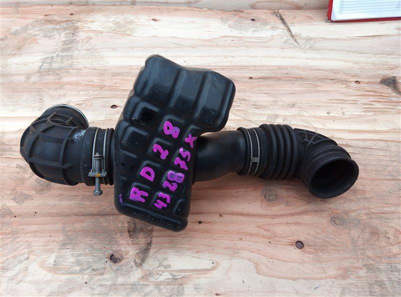 Патрубок воздушн.фильтра Nissan Laurel SC34 RD28 (б/у)