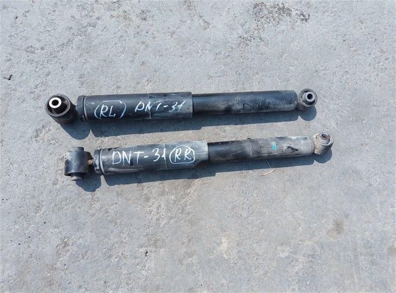 Амортизатор Nissan X-Trail DNT31 M9R 08.2010 задний (б/у)