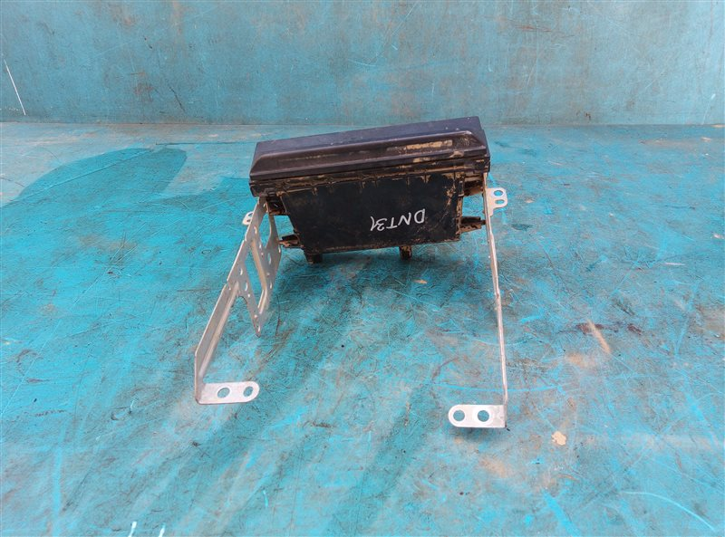 Крепление автомагнитолы Nissan X-Trail DNT31 M9R 08.2010 (б/у)
