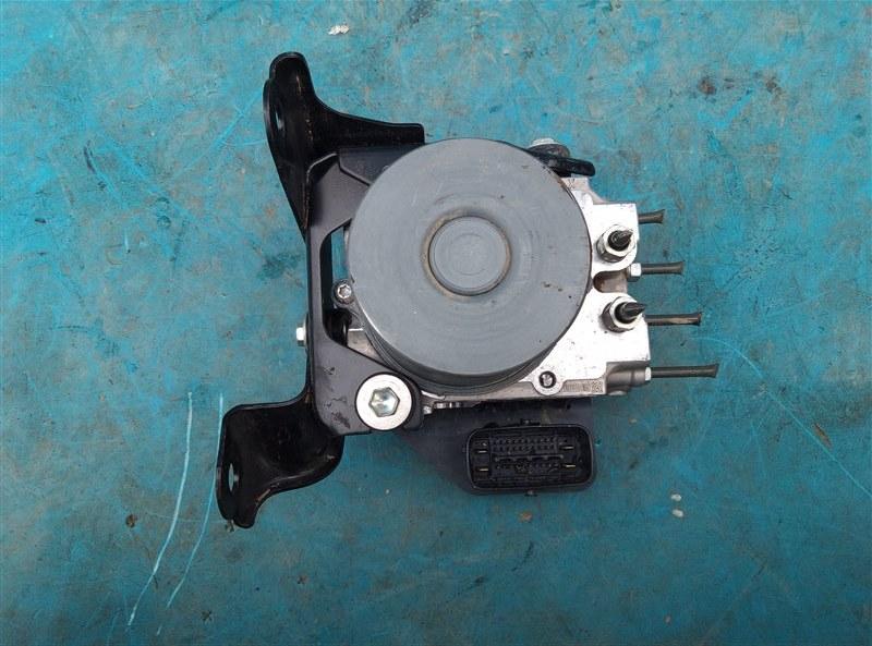 Блок abs Toyota Land Cruiser Prado TRJ150 2TR-FE 08.2010 (б/у)