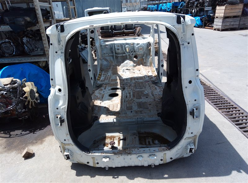 Тазик железный Toyota Voxy ZRR80 3ZR-FAE 11.2018 (б/у)