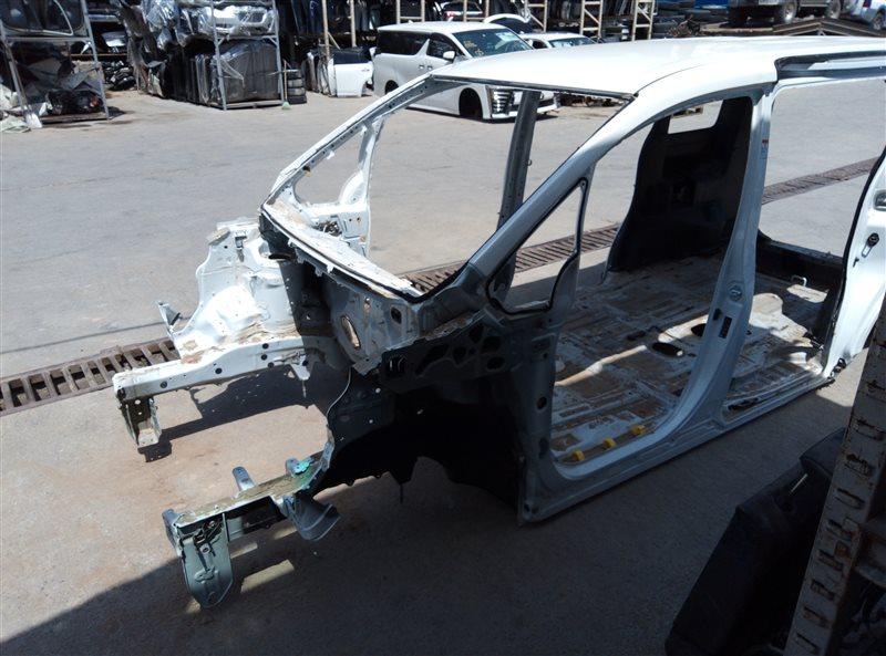 Стойка кузова Toyota Voxy ZRR80 3ZR-FAE 11.2018 левая (б/у)
