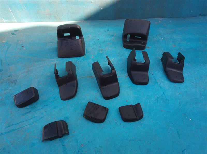Заглушка крепления сиденья Honda Vezel RU1 L15B 2018 (б/у)