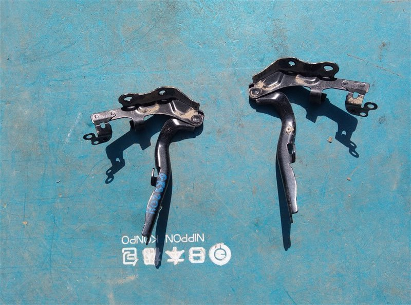 Петля капота Toyota Crown Athlete GRS204 2GR-FSE 02.2011 (б/у)