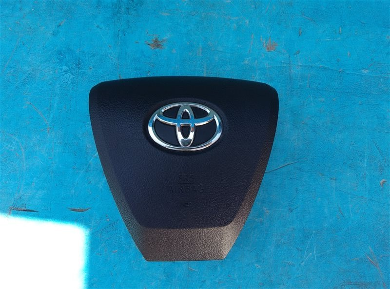 Airbag водительский Toyota Vellfire AGH30 2AR-FE 02.2018 (б/у)