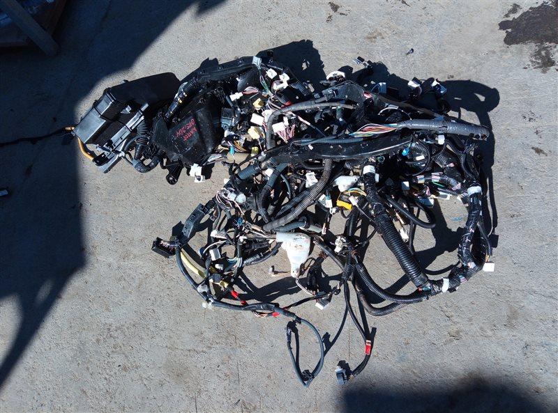 Коса под капот Toyota Crown Athlete GRS204 2GR-FSE 02.2011 (б/у)