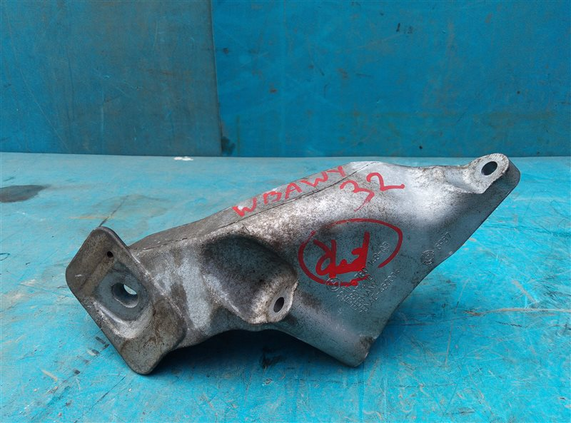 Кронштейн опоры двигателя Bmw X6M E71 S63B44A 09.2011 правый (б/у)