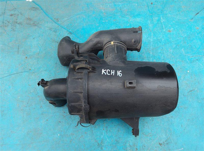 Корпус воздушного фильтра Toyota Granvia KCH16 1KZ-TE (б/у)
