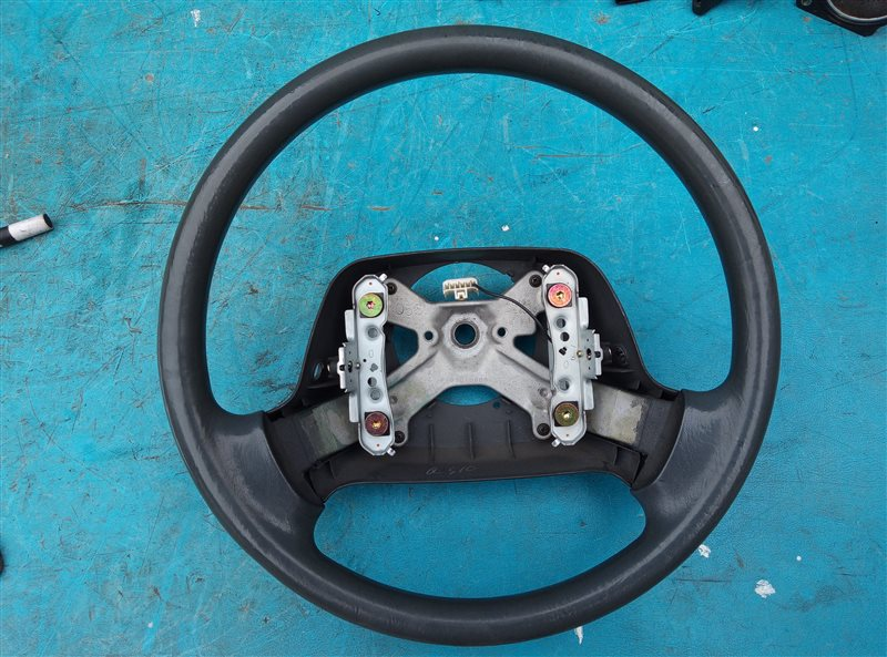 Руль Toyota Granvia KCH16 1KZ-TE (б/у)