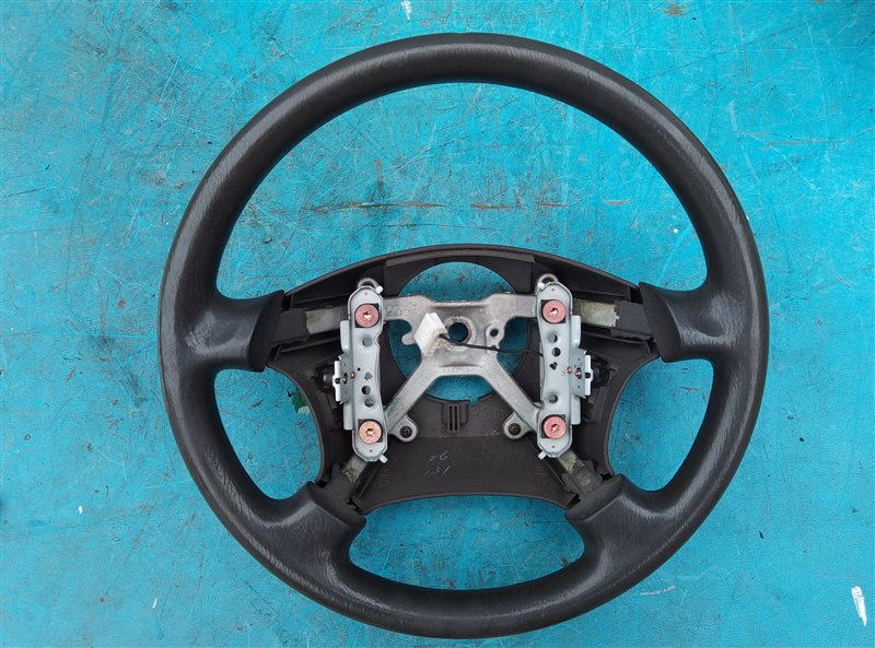 Руль Toyota Hiace KZH106 1KZ-TE (б/у)