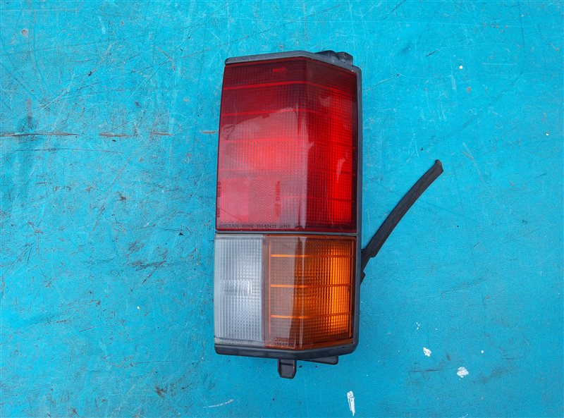 Стоп-сигнал Nissan Vanette VUJNC22 LD20-II задний правый (б/у)