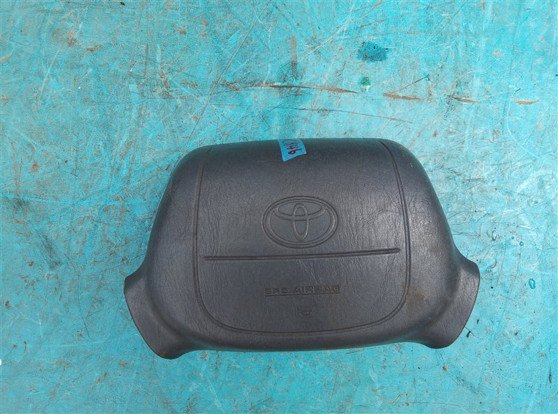 Airbag водительский Toyota Hiace Regius KCH46 1KZ-TE (б/у)
