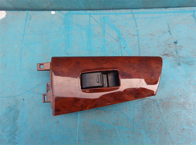 Блок управления стеклоподъемниками Toyota Corolla Fielder NZE124 1NZ-FE задний правый (б/у)