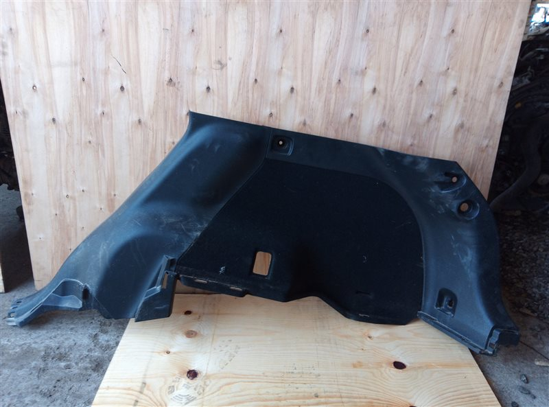 Обшивка багажника Toyota Harrier ZSU60 3ZR-FAE задняя правая нижняя (б/у)