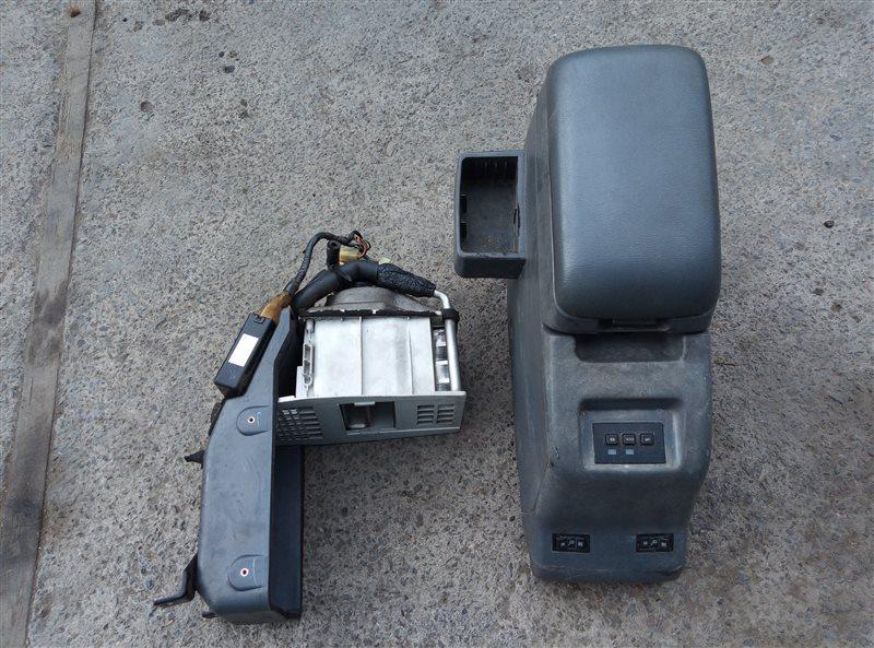Бардачок между сиденьями Toyota Land Cruiser HDJ81 1HD-T 12.1992 (б/у)