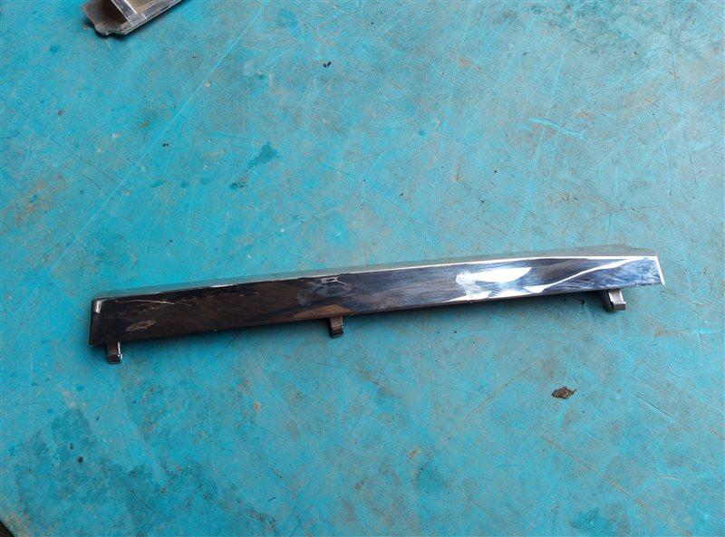 Решетка радиатора Subaru Xv GT правая (б/у)