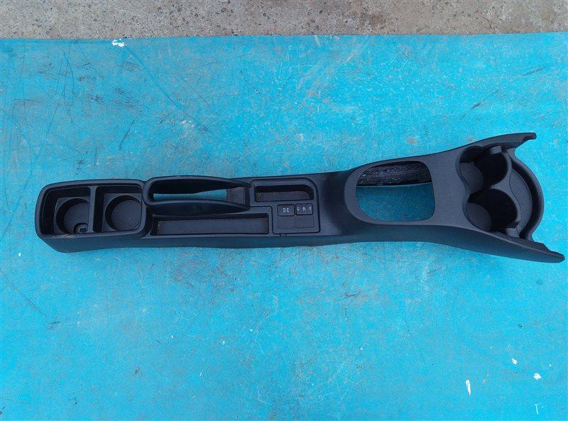 Бардачок между сиденьями Toyota Vitz NSP135 1NR-FE (б/у)