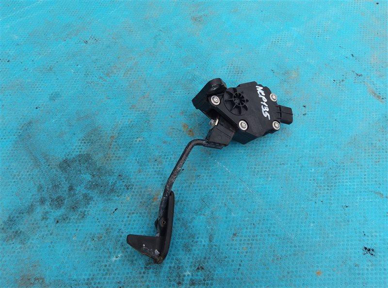 Педаль газа Toyota Vitz NSP135 1NR-FE (б/у)