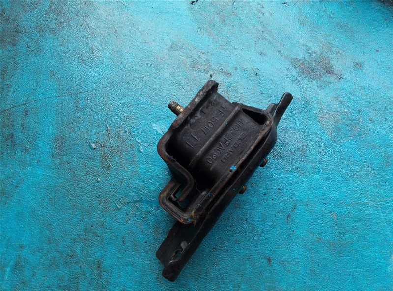 Подушка двигателя Subaru Forester SF5 EJ20J левая (б/у)