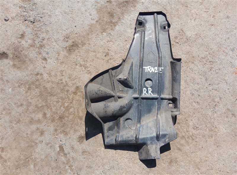 Защита горловины бензобака Toyota Hilux Surf TRN215 2TR-FE 11.2006 (б/у)