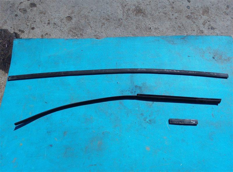 Молдинги на крыше Toyota Hilux Surf RZN215 3RZ-FE 10.2003 левые (б/у)