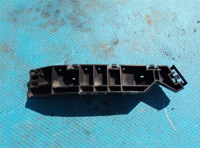 Крепление бампера Honda Elysion RR1 K24A переднее правое (б/у)