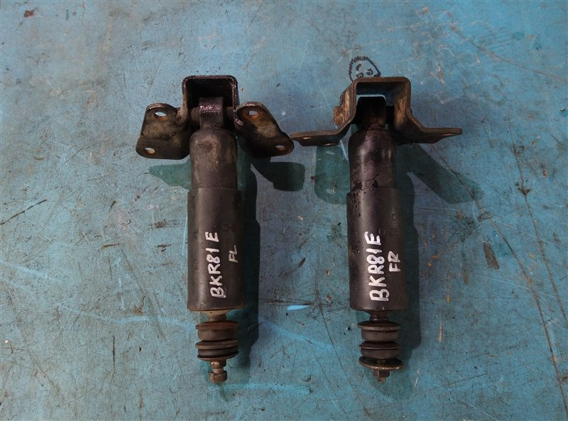 Амортизатор Isuzu Elf NKR81E 4HL1-2 передний (б/у)
