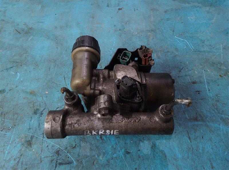 Главный тормозной цилиндр Nissan Diesel BKR81E 4HL1-2 (б/у)