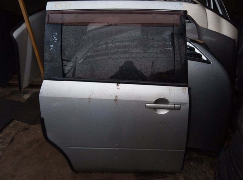 Дверь Nissan Presage TU31 задняя правая (б/у)