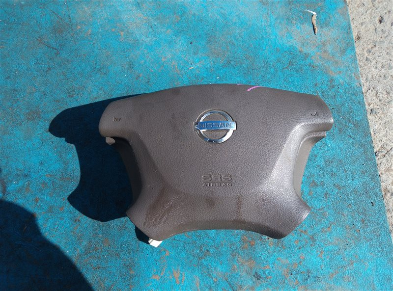 Airbag водительский Nissan Cefiro A33 (б/у)