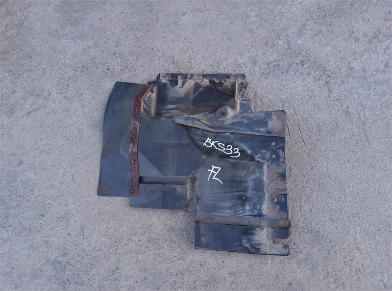 Брызговик Isuzu Forward FSR33K4 6HH1-1 1998 передний левый (б/у)