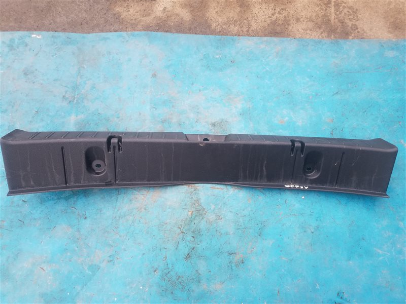 Накладка замка багажника Subaru Xv GP7 FB20 08.2014 (б/у)