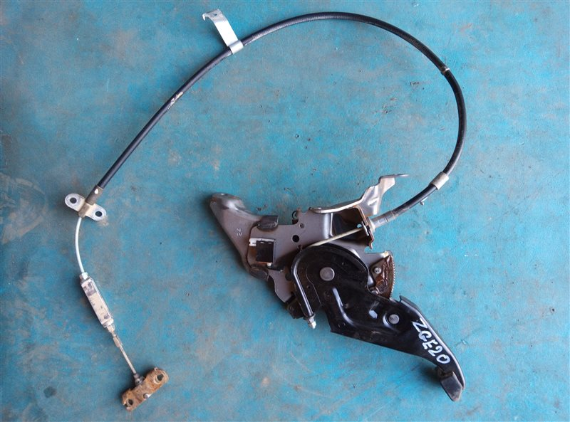 Педаль ручника Toyota Wish ZGE20 2ZR-FAE 06.2012 (б/у)