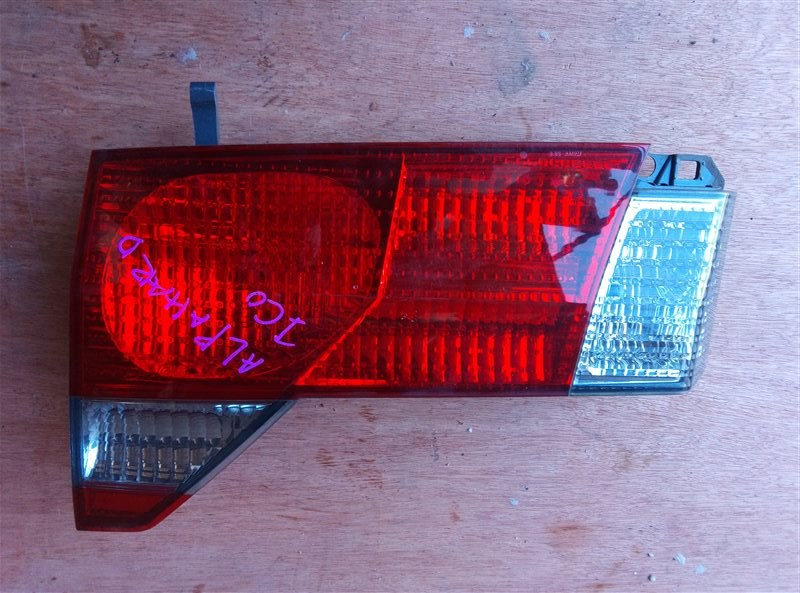 Стоп-сигнал Toyota Alphard ANH10 задний правый (б/у)